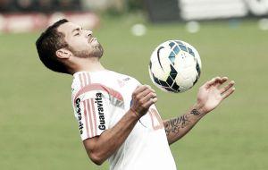 Canteros, Samir e Cáceres não atuarão diante do Salgueiro mesmo após voltar aos treinos