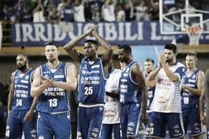 Basket, serie A: Johnson e Pilepic bombardano, Cantù supera Pesaro