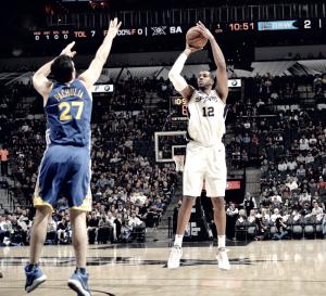 NBA - San Antonio ci mette l'anima ma a vincere è ancora Golden State