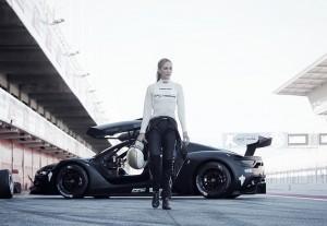 Carmen Jordá se asocia con CSM para impulsar a la mujer en el deporte del motor