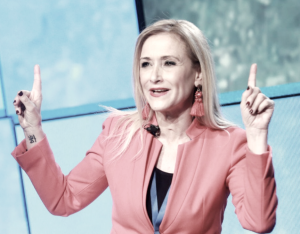 Cristina Cifuentes renuncia a su máster y culpa a la universidad