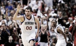 Los Clippers se hacen con Spencer Hawes