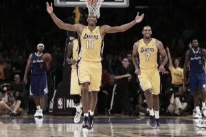 Xavier Henry y Wesley Johnson renuevan con los Lakers