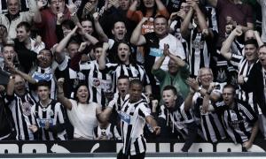 Alan Pardew declara el interés del Newcastle en Loïc Rémy