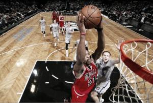La solidez de los Bulls basta para arrodillar a Brooklyn
