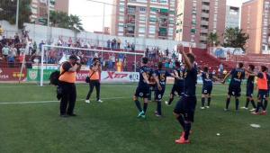 Javi Gómez mantiene el sueño ante un Real Unión combativo