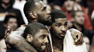 """James presiona a los Cavs para que renueven a Thompson: """"Hacedlo, echo de menos a mi hermano"""""""