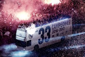 El Real Madrid ofreció la 33ª Liga a los madridistas