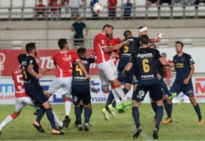 El Real Murcia sucumbe en su feudo ante el UCAM (1-2)