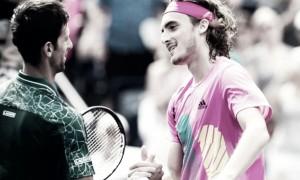 Tsitsipas sigue dando golpes y eliminó a Djokovic