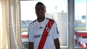 Oficial: Carlos Carbonero es nuevo jugador de River Plate