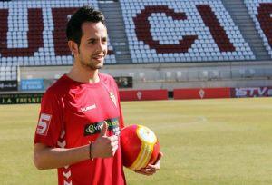 Carlos Álvarez refuerza la delantera del Real Murcia
