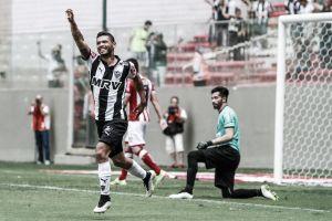 Carlos desencanta e Atlético confirma classificação às semi do Mineiro ao vencer Villa Nova