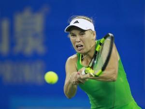 WTA Wuhan, fuori Sara Errani. Bene Halep, Ka.Pliskova e Suarez. Wozniacki travolge Stosur
