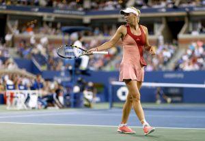 Wozniacki aplasta a Errani para acceder a las semifinales