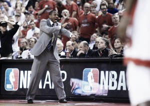 Toronto Raptors sign Dwane Casey to three-year contract extention