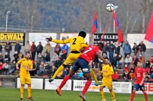 Tarde de frío y poco fútbol en Olot