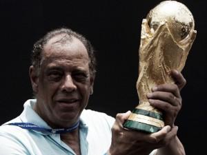 Eterno Capitão: Carlos Alberto Torres, o capitão do tri deixa seu legado no futebol brasileiro
