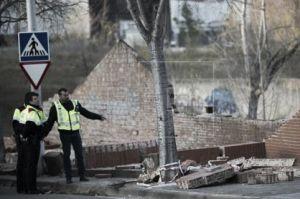 El temporal de viento en Cataluña deja tres muertos y corta la luz, vías del tren y carreteras