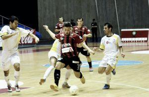 Santiago Futsal saca de la chistera la magia de Juanjo Catela