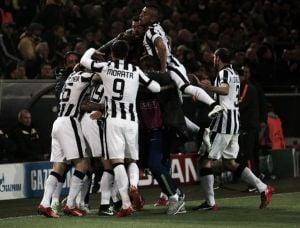 Magnifica Juve: Tevez abbatte il Borussia