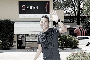 Milan confirm Bacca capture from Sevilla