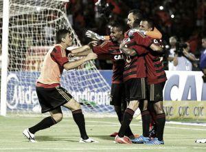 Magrão defende 22º pênalti pelo Sport e comemora classificação na Copa do Nordeste