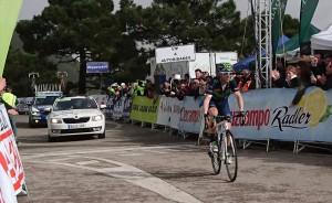 Valverde apostó y ganó en Peñas Blancas: etapa y general