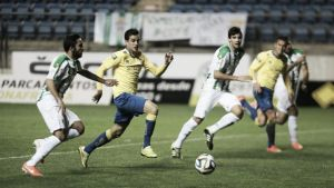Córdoba B - Cádiz en directo online en Segunda B 2015 (0-1)
