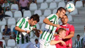 El Córdoba remonta a base de golazos