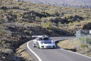 Porsche y Fuster inauguran el campeonato con victoria