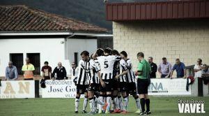 Fotos e imágenes del CD Lealtad - Pontevedra CF; 4ª jornada del Grupo I de Segunda División B