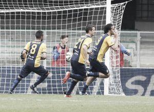Serie A, il Genoa manda in B il Cesena. Toni fa volare il Verona
