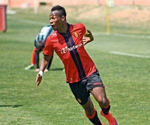 Cedric Omoigui anota el gol de la jornada 34 en la Segunda División B