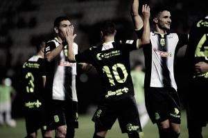 Aketxe lidera al Cartagena en el debut liguero