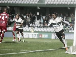Coritiba vence CRB com gol de Yan Sasse e retorna ao G-4