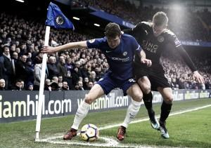 Chelsea não aproveita expulsão, fica no zero com Leicester e chega ao terceiro empate seguido