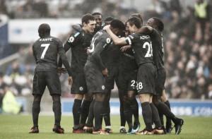 Chelsea mata a partida em dez minutos, goleia Brighton e encosta no United