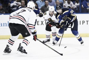 St. Louis Blues outlast Chicago Blackhawks in opening game of playoffs