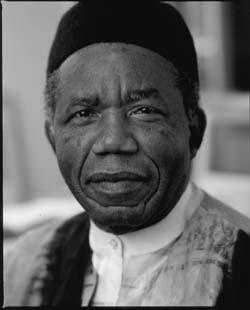 En memoria a Chinua Achebe