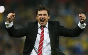 Chris Coleman seguirá con Gales hasta 2018