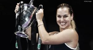 Dominika Cibulkova vence Kerber e é campeã do WTA Finals 2016