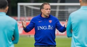Riechedly Bazoer no viaja con la Jong Orange