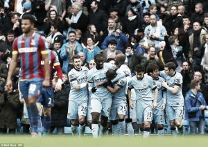 Manchester City 3-0 Crystal Palace: David Silva masterclass as hosts close gap on leaders Chelsea
