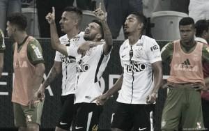 Corinthians vence Coritiba em Itaquera e dispara na liderança do Brasileirão
