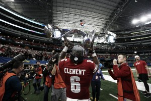 #8 Wisconsin Badgers overcome #12 Western Michigan Mustangs to win Cotton Bowl 24-16
