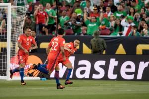 Copa Centenario, quarti: la marea roja distrugge il Messico. Sette gol, poker di Edu Vargas