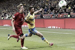 Coentrão cae lesionado en el partido de Portugal