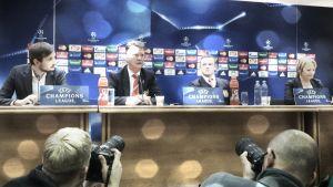 """Louis van Gaal: """"Esperamos lograr al menos un punto"""""""