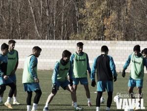 Regalón debuta en una convocatoria de la que se cae Antonio Martínez